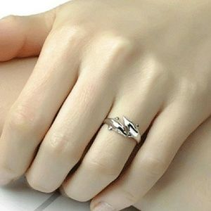 🔴Sale🔴Sterling Silver Dolphin Ring